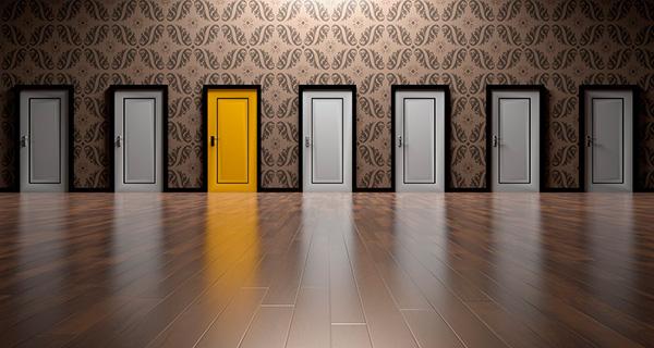 doors-1767563_1280_1